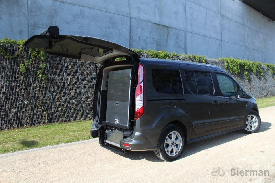 ford grand tourneo connect rolstoelauto bierman. Black Bedroom Furniture Sets. Home Design Ideas